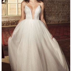Julie Vino Pearl Collection 2018 Bridal Gown